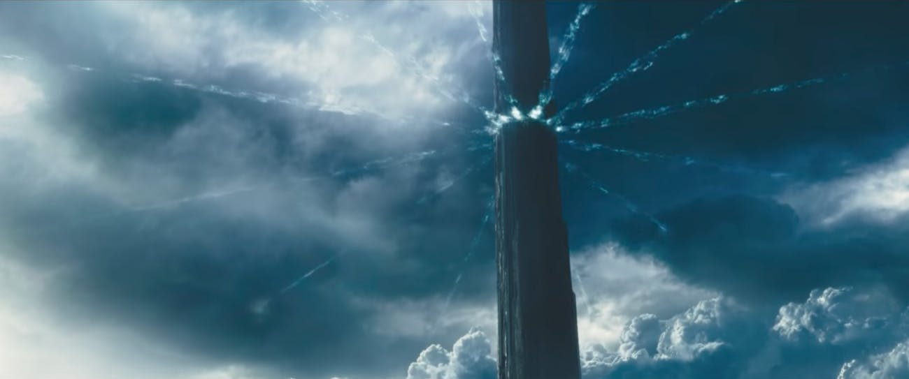 "The Tower has ""beams"" of light arranged in that pattern for a reason in 'The Dark Tower' movie."