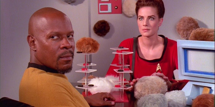 20 Years Ago 'Deep Space Nine' Snuggled With Some Tribbles