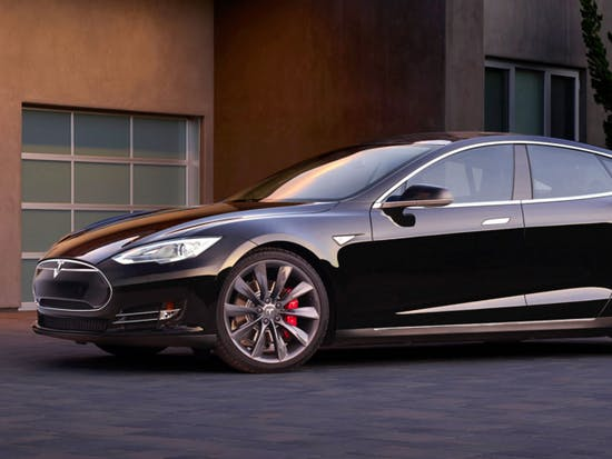 Tesla Shows Off Its Autopark Feature in New Video