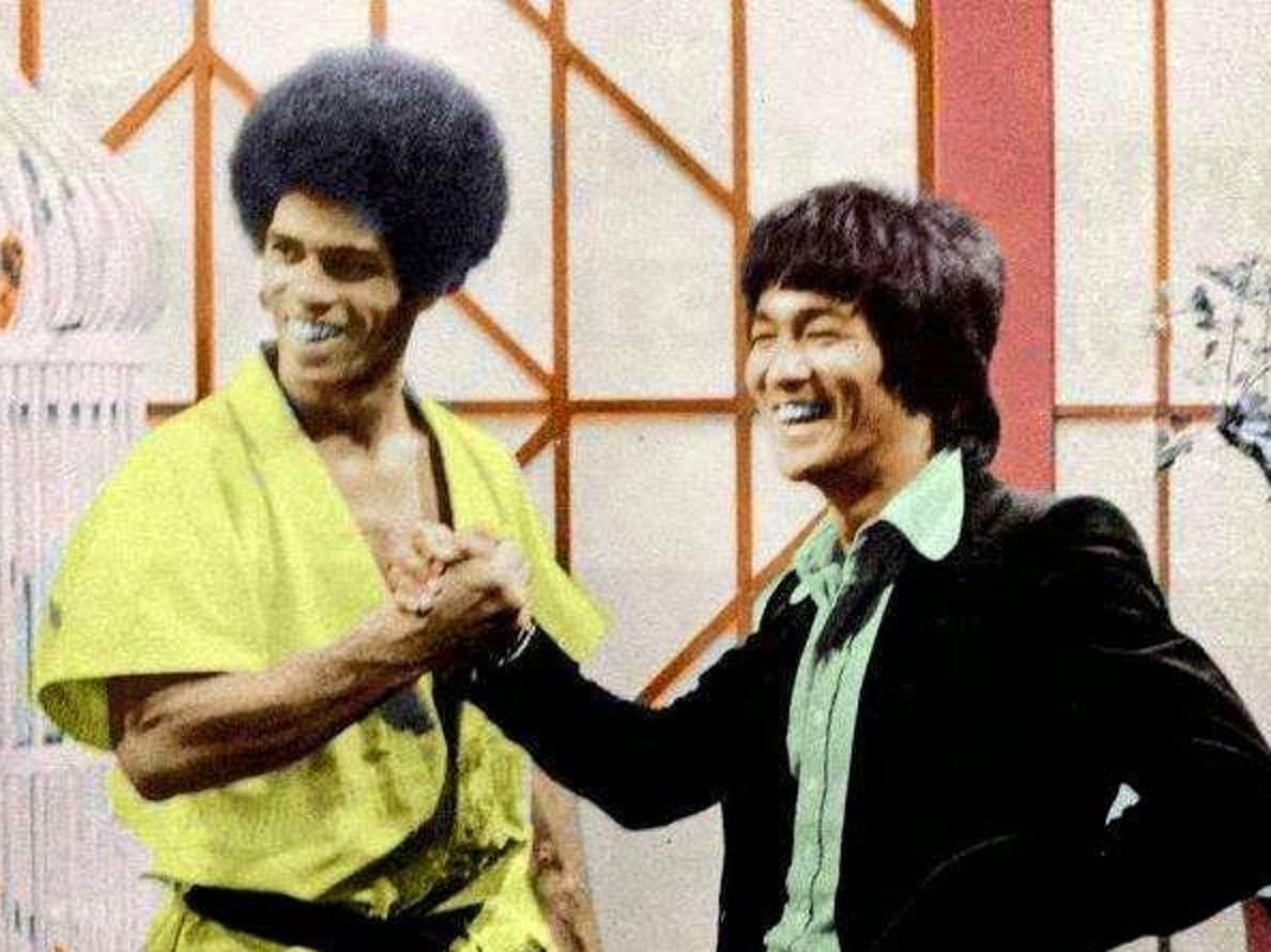 Jim Kelly and Bruce Lee on the set of Enter the Dragon.