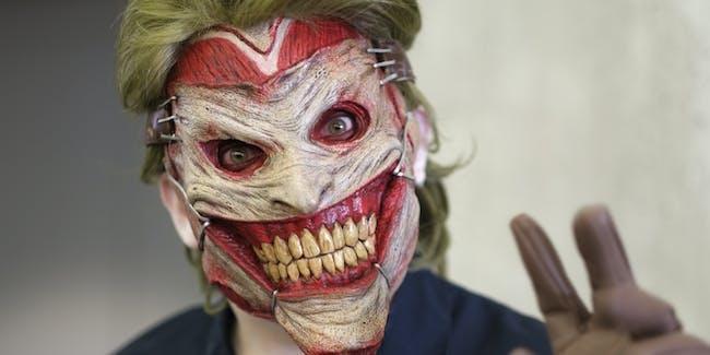 8 great batman halloween costume ideas that arent joker inverse 8 batman halloween costume ideas that arent joker and harley solutioingenieria Gallery