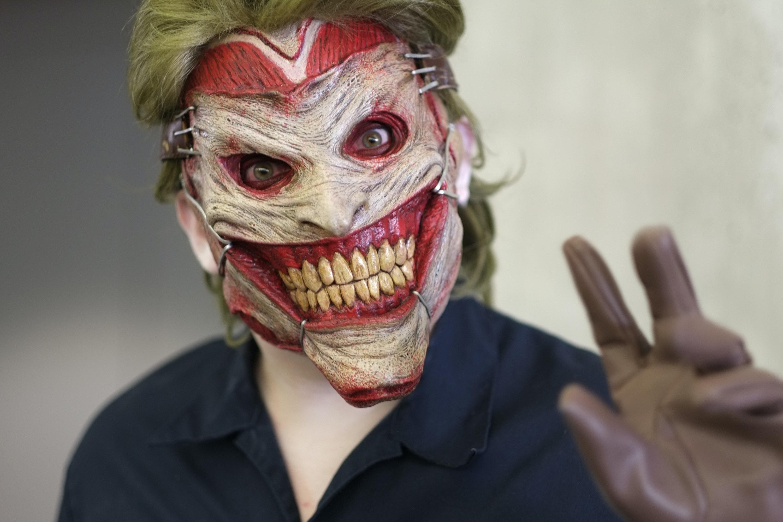 8 u0027Batmanu0027 Halloween Costume Ideas That Arenu0027t Joker and Harley & 8 Great Batman Halloween Costume Ideas That Arenu0027t Joker | Inverse