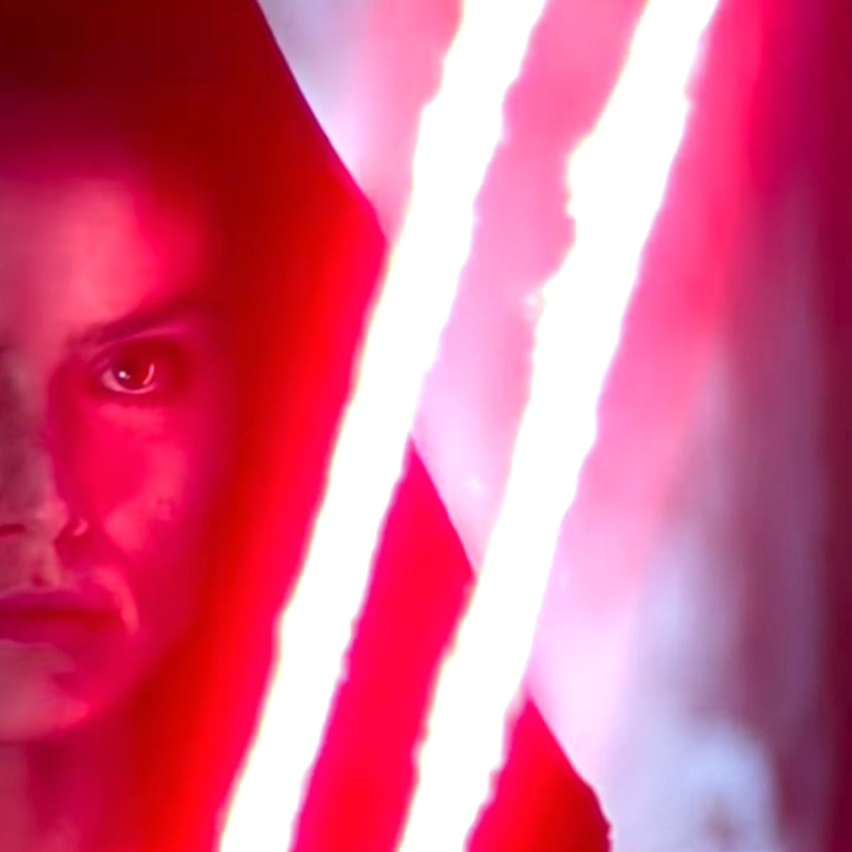 'Star Wars 9' Theory Reveals Dark Rey May Be Possessed by Palpatine