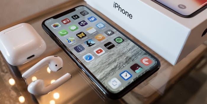 iPhone X Plus box