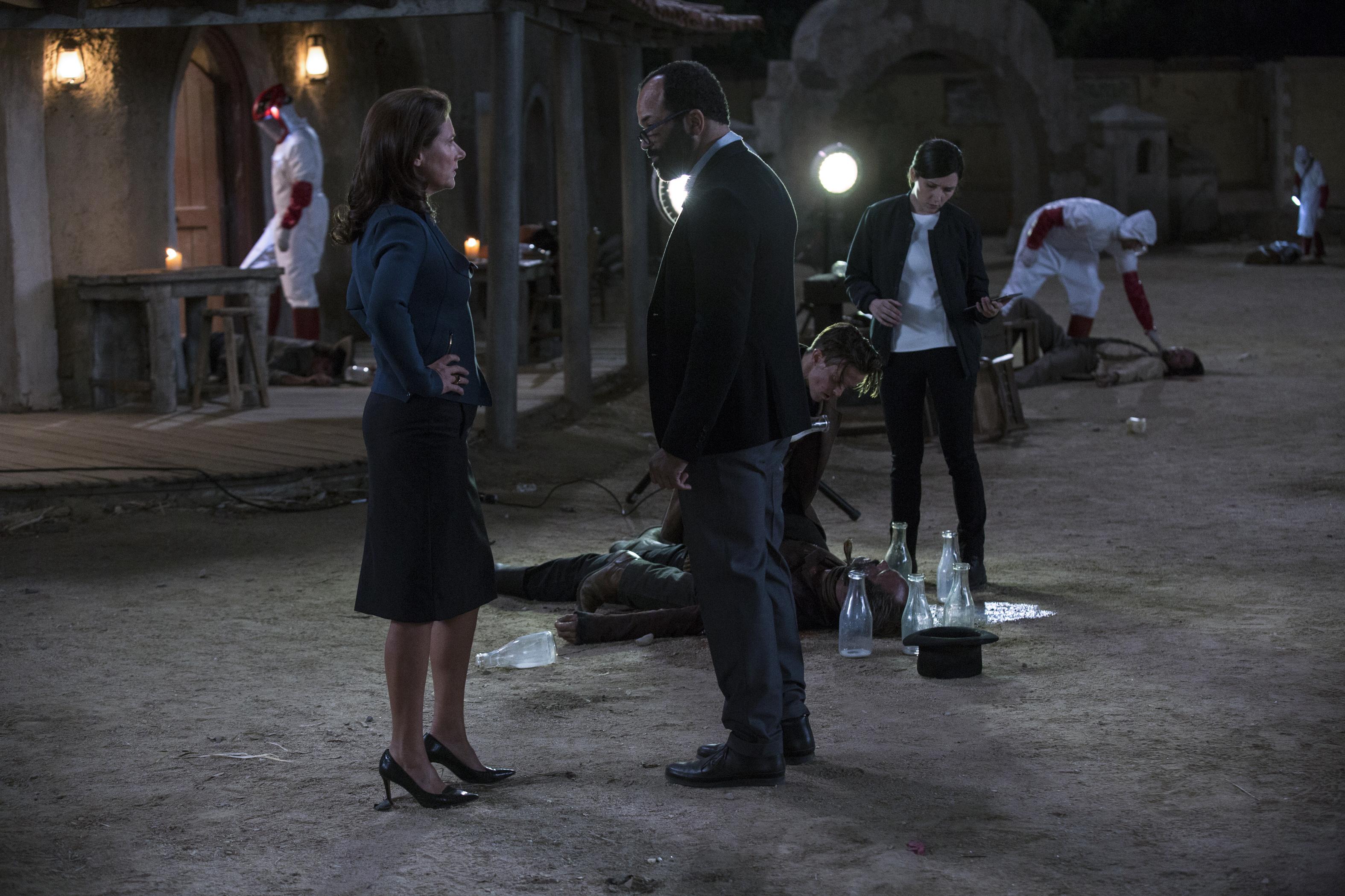"Sidse Babett Knudsen as Theresa Cullen and Jeffrey Wright as Bernard Lowe in ""Westworld"""