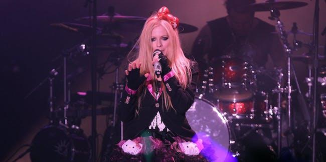 Avril Lavigne dead Twitter conspiracy