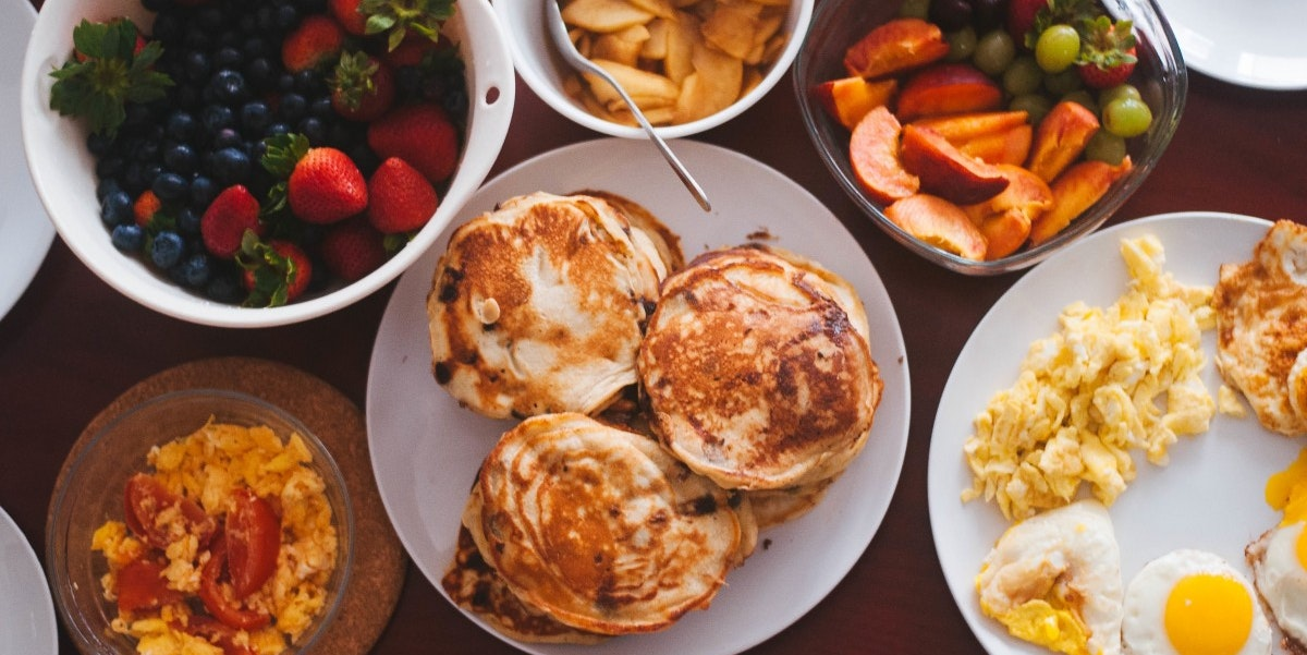 When You Eat Breakfast and Dinner Could Affect Your Levels of Body Fat