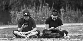 phone relationship stress