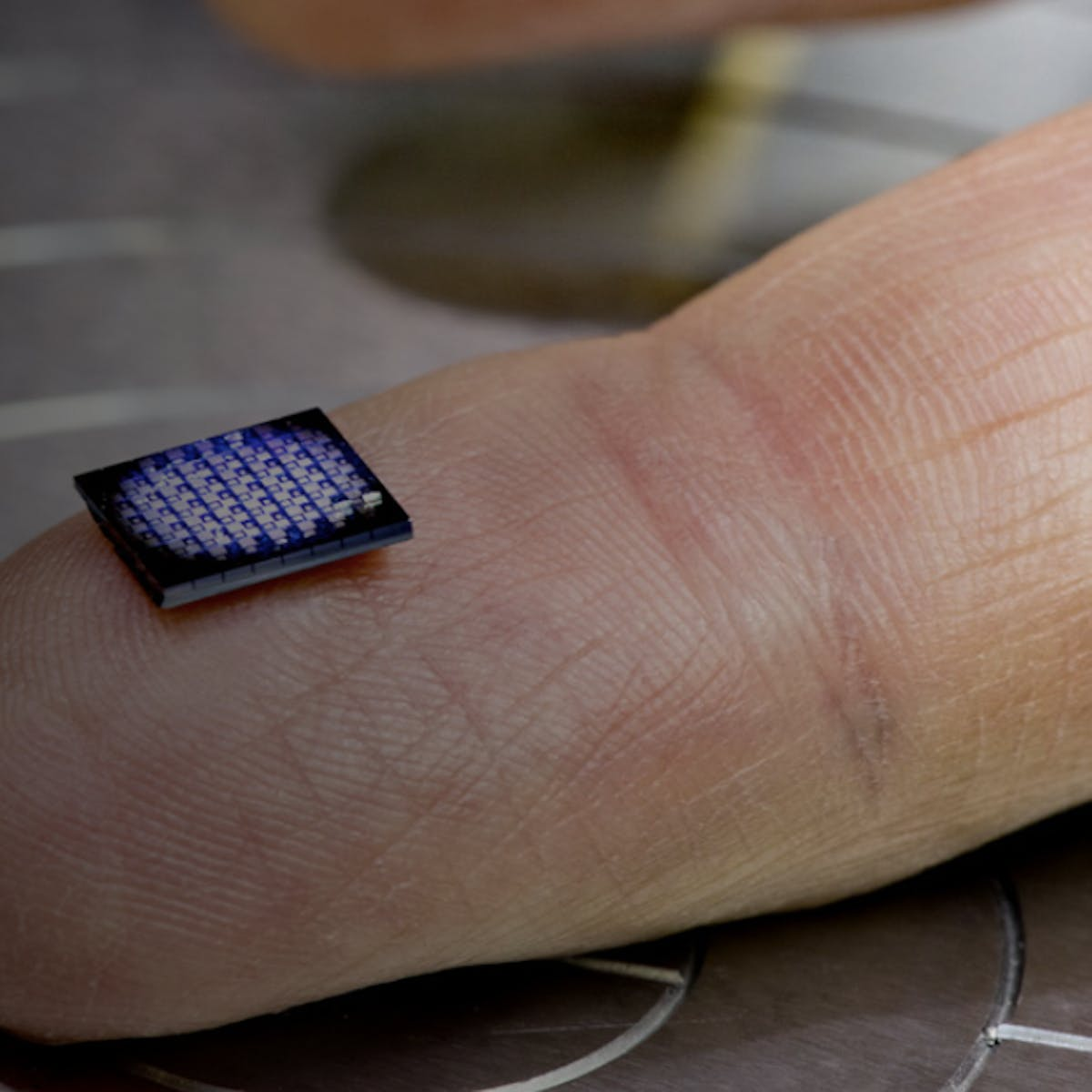 World's Smallest Computer Is the Size of a Grain of Salt