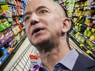 Jeff Bezos: Story on Amazon's Robot-Staffed Supermarket Is Bogus