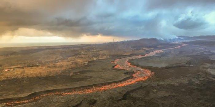 kilauea volcano lava river