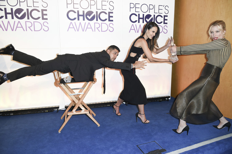 Wilmer Valderrama, Jordana Brewster and Piper Perabo pose for a Mannequin Challenge video at the People's Choice Awards.