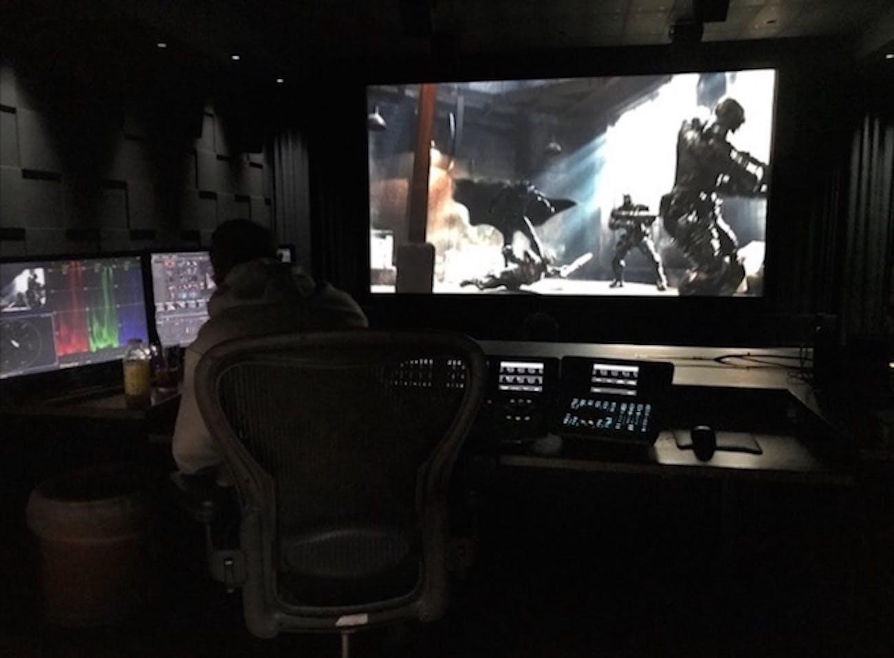 Zack Snyder works on 'Justice League'