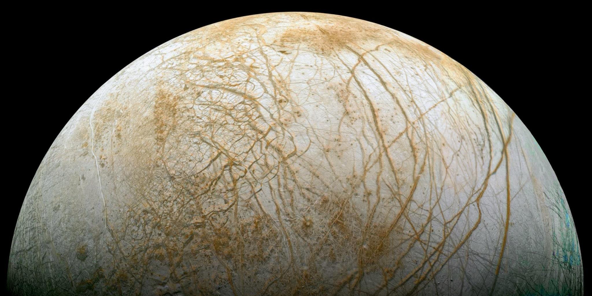 Jupiter's Weirdest Moon Looks Better Than Ever for Finding Aliens