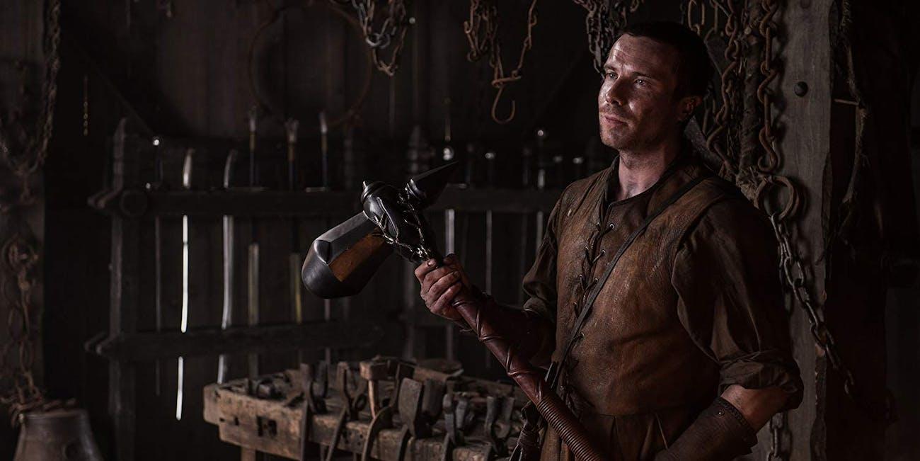 Gendry Baratheon (Joe Dempsie) and his warhammer on 'Game of Thrones'