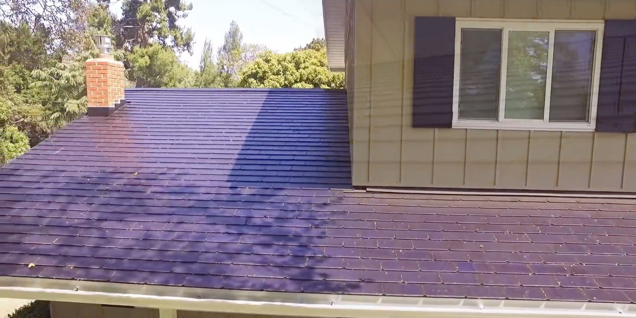 Solar Roof Cost >> Tesla Solar Roof Owner Reveals The Cost And Surprising Savings In
