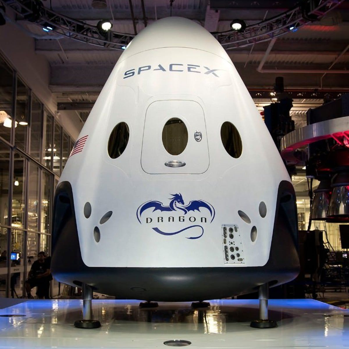 2019 Tech Predictions: SpaceX Completes a Manned Crew Dragon Test
