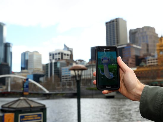 6 'Pokemon Go' Tips for Playing at Night Without Getting Arrested or Stabbed