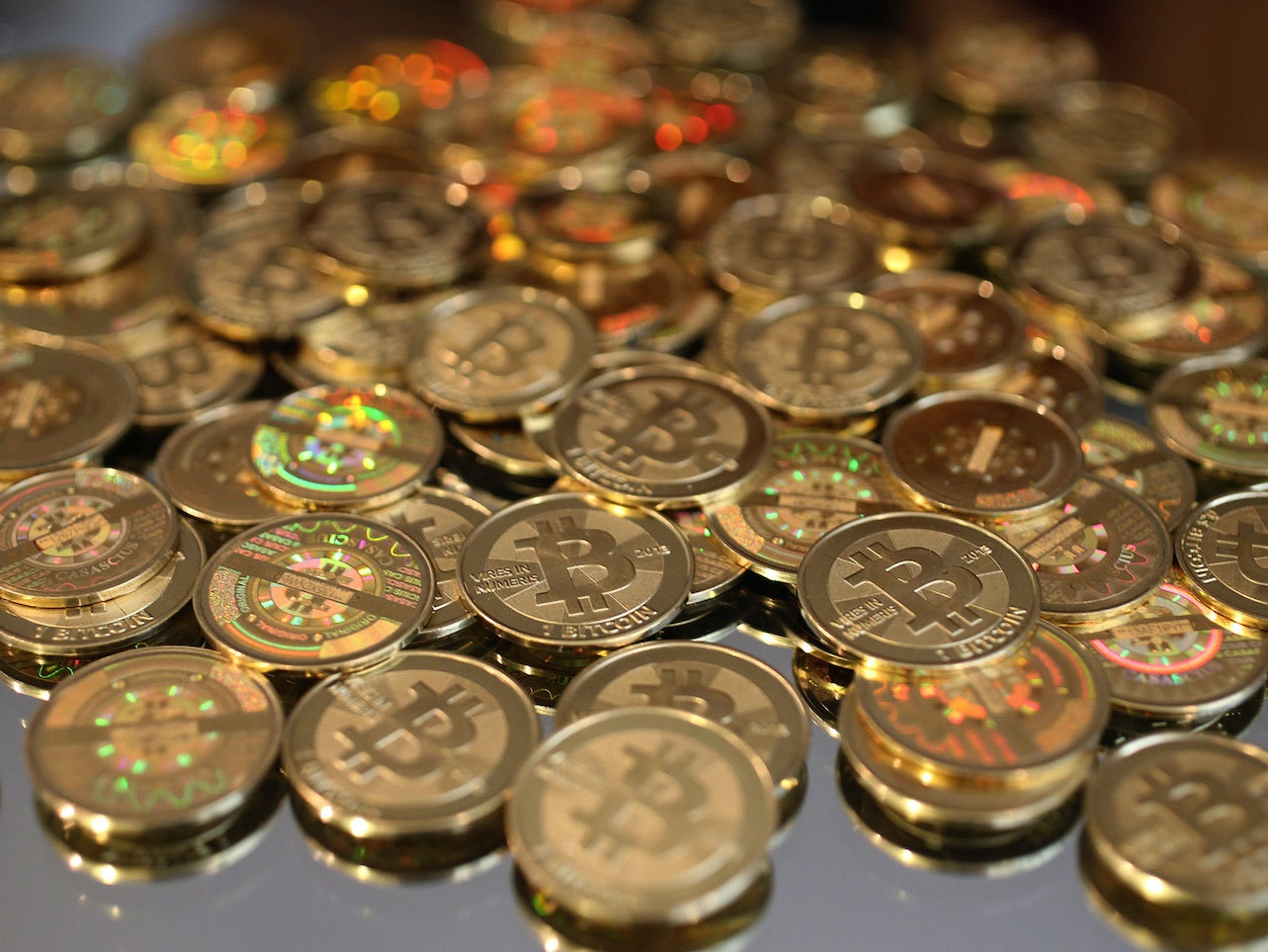 An Ex-DEA Agent Embezzled More Than $700,000 in Bitcoin Investigating Silk Road
