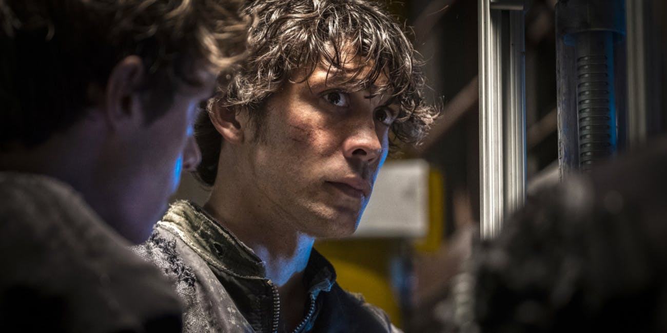 "Bob Morley in 'The 100' Season 4 ""Heavy Lies The Crown"""