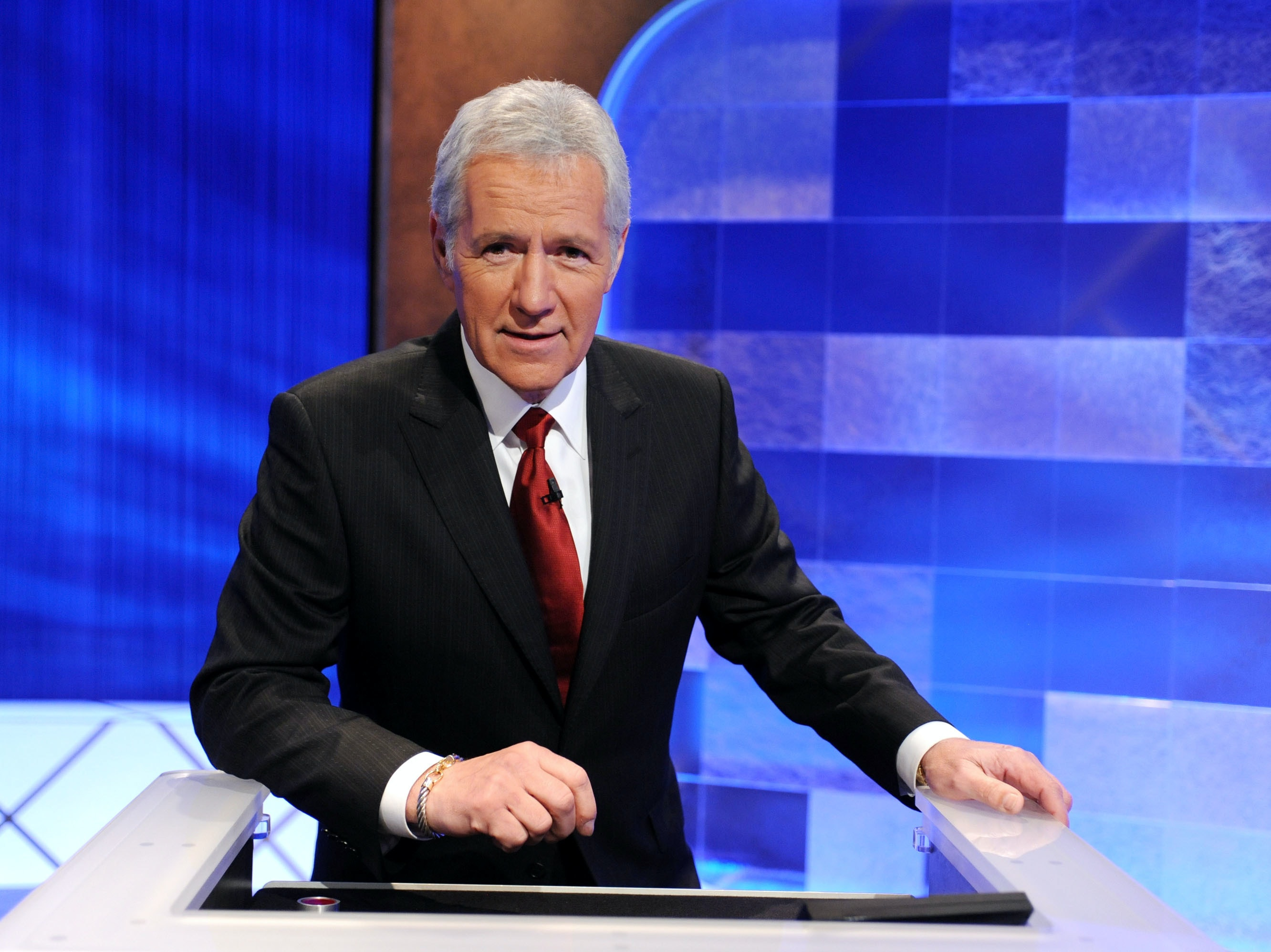 Nerds Eviscerate Alex Trebek for 'Losers' Dig