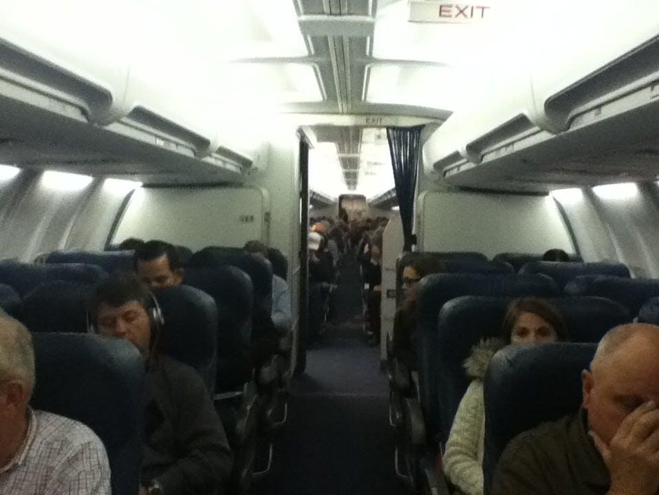 Delta 757-200 5600 Cabin
