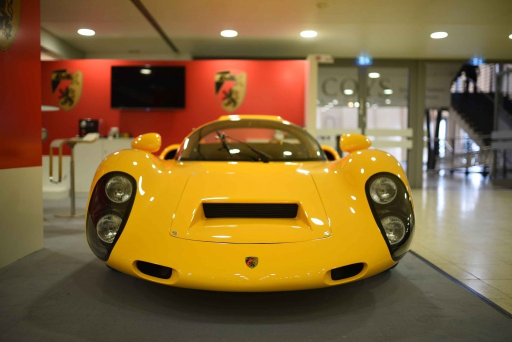 The EVEX 910e is a converted retro-Porsche 910e.