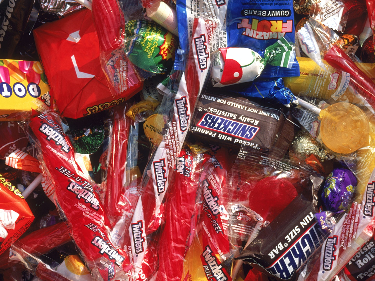 why poison halloween candy fears persist | inverse