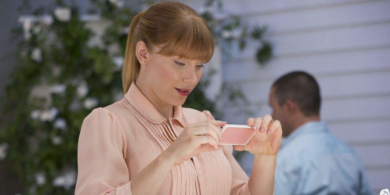 """Bryce Dallas Howard in the Black Mirror Season 3 episode """"Nosedive"""""""
