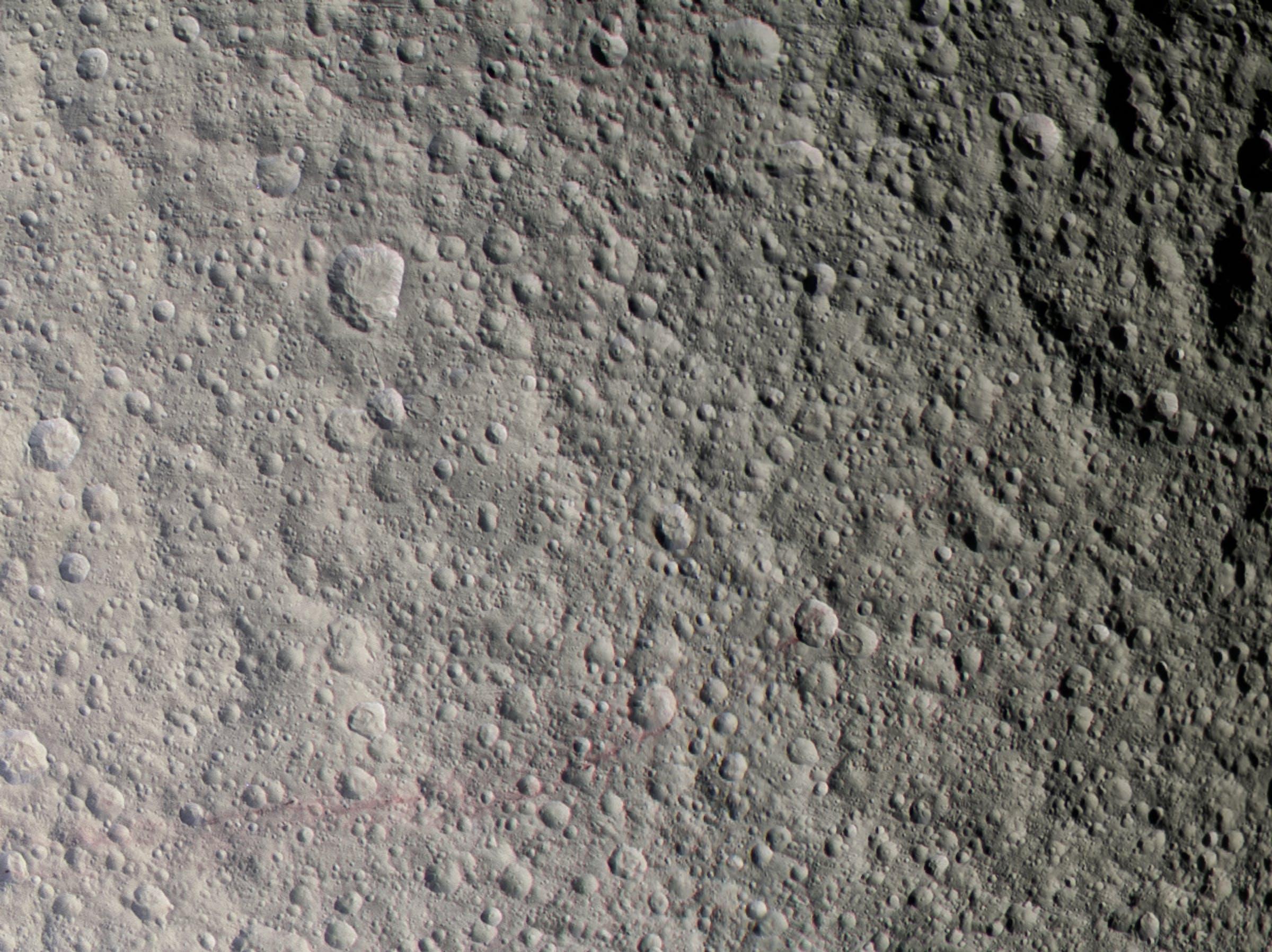 The Red Streaks of Tethys - November 23 2015