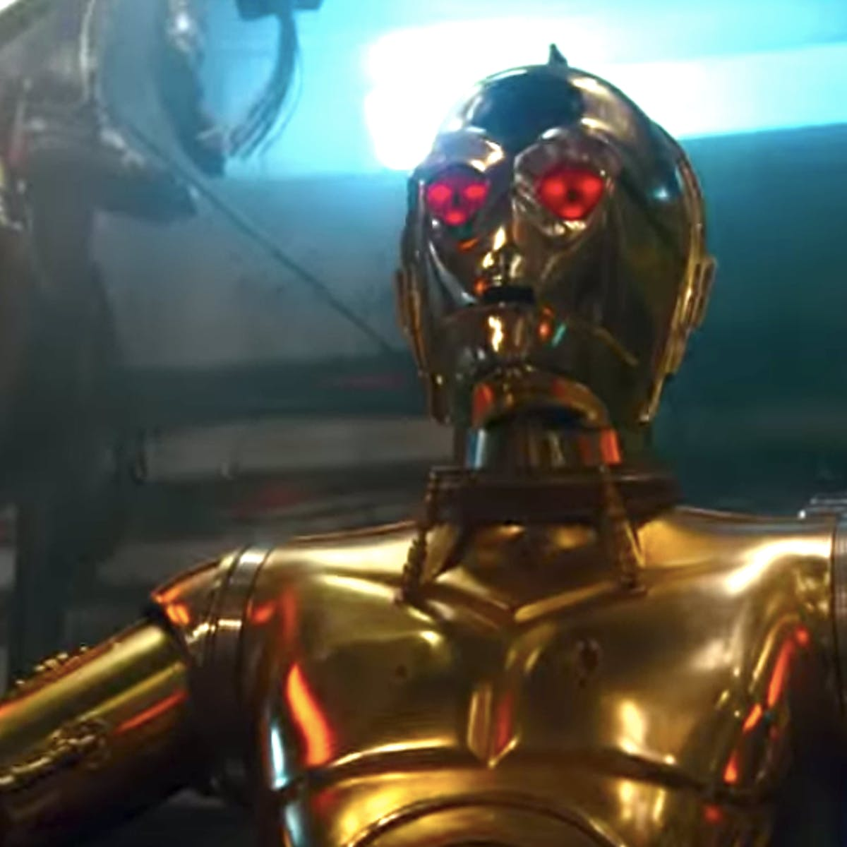 'Star Wars 9' Theory May Reveal C-3PO's True Allegiance to the Dark Side