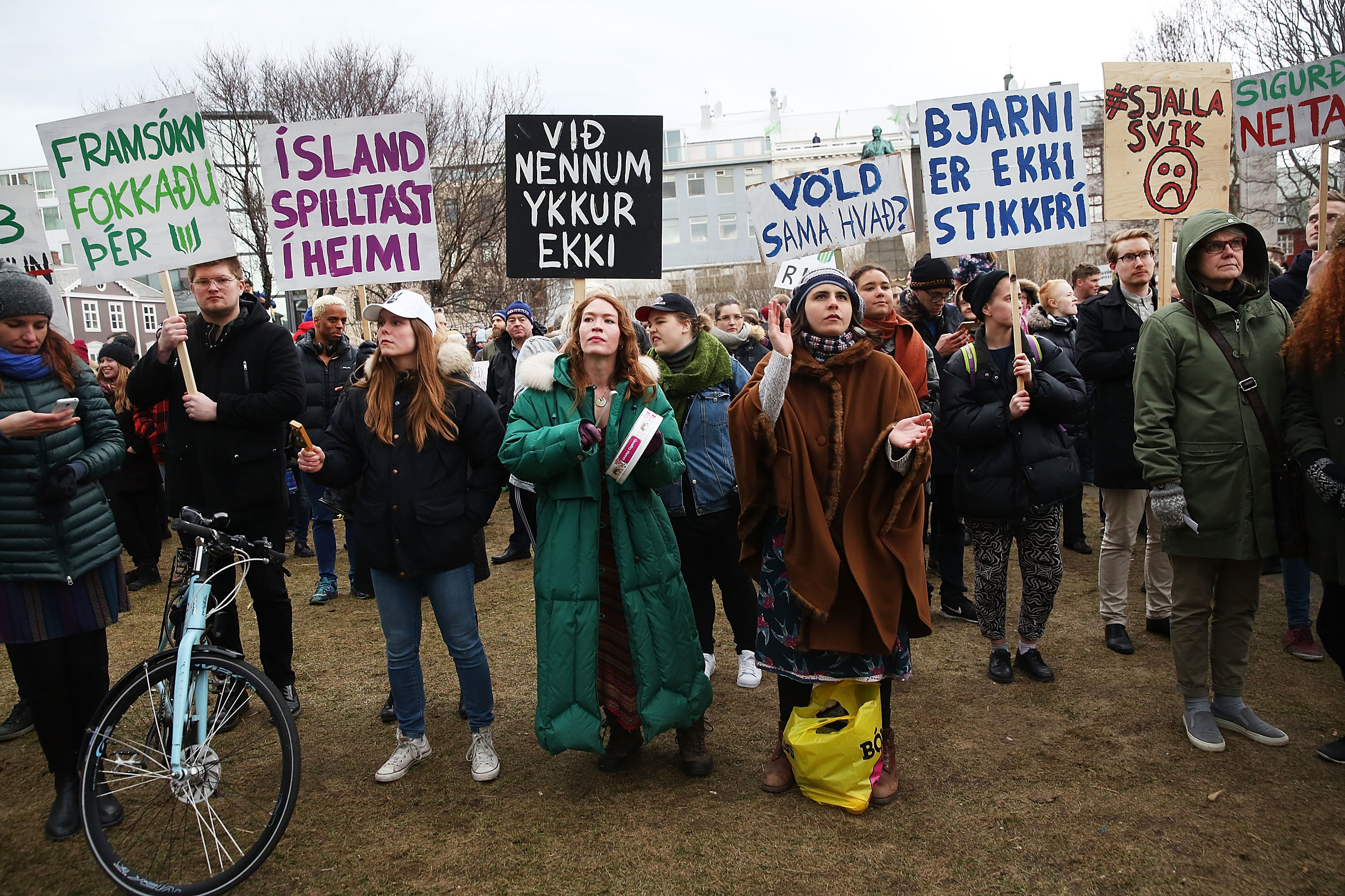 Protesters gather outside of the Parliament building in the wake of the Panama Papers crisis on April 5 in Reykjavik.