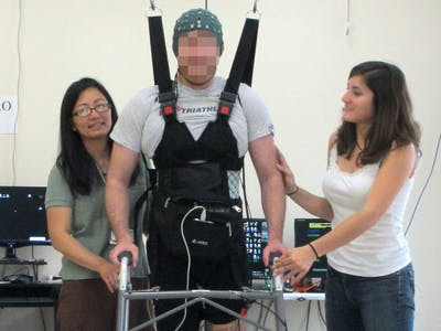 Paraplegic Man Walks Again Using a Computer Connecting Brain and Legs