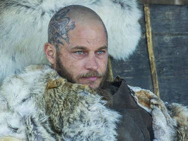 'Vikings' Season 4 Begins With Gruesome Death, and a Tense Wedding Night
