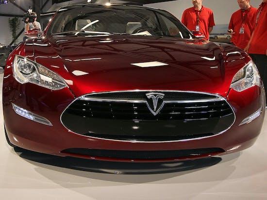 Tesla Autopilot Prevents 45 MPH Crash in This Dashcam Video