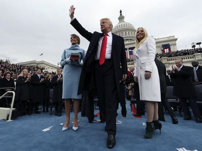 Trump Will Hang Inauguration Photo With Incorrect Date in White House