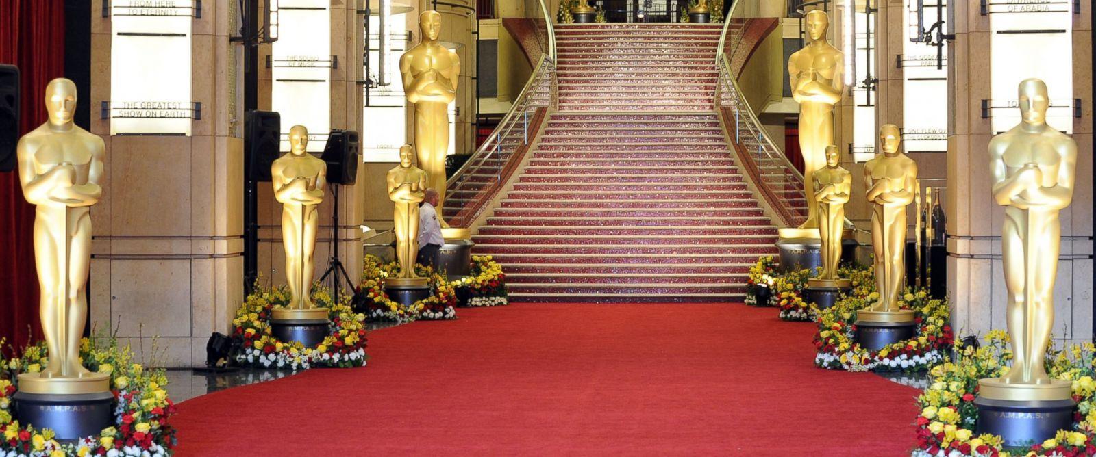 gty-oscars-red-carpet-jt-17020512x51600j