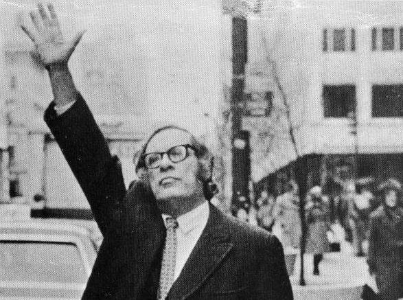 Isaac Asimov Hails a Cab