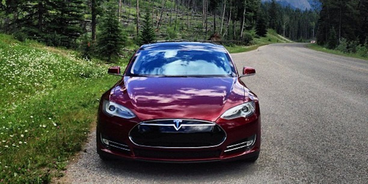Can Tesla's Autonomous Cross-Country Road Trip Still Happen