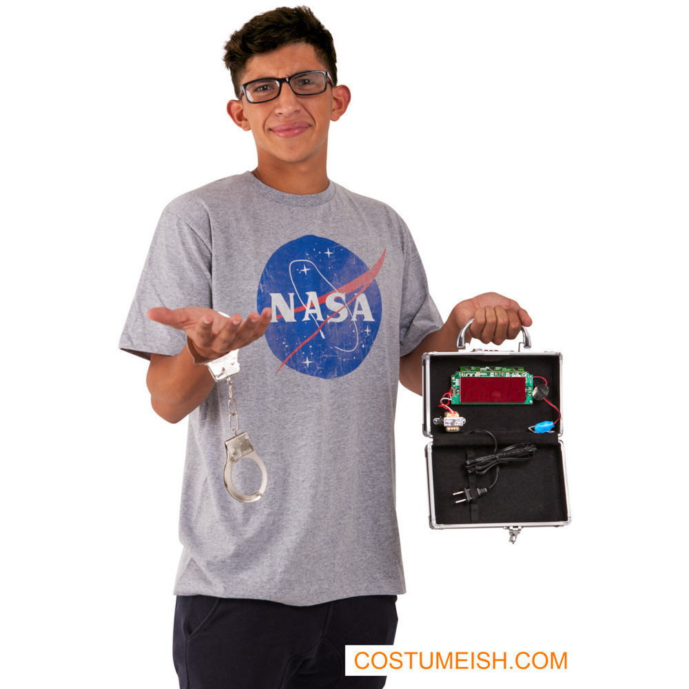 the unsurprising ahmed mohamed 'clock boy' halloween costume is here