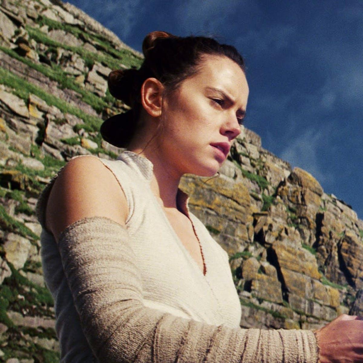'Star Wars: Episode IX' Leak Reveals Rey's Shocking Connection to Palpatine