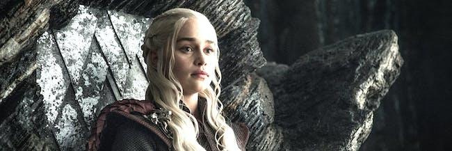 Jon snow and daenerys targaryen finally meet on 39 game of for Daenerys jewelry season 7