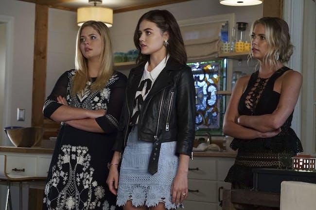 Ashley Benson, Lucy Hale, and Sasha Pieterse in 'Pretty Little Liars'