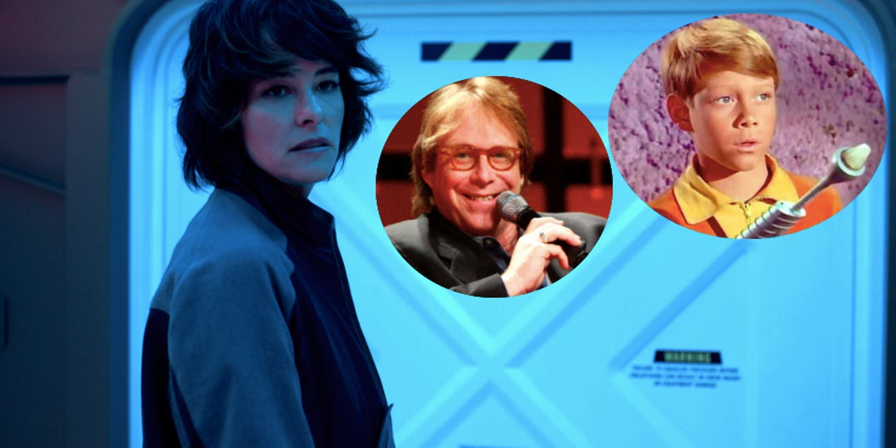 """Parker Posey as """"Dr. Smith"""" in 'Lost in Space' on Netflix. Also: Bill Mumy and YOUNG Bill Mumy."""
