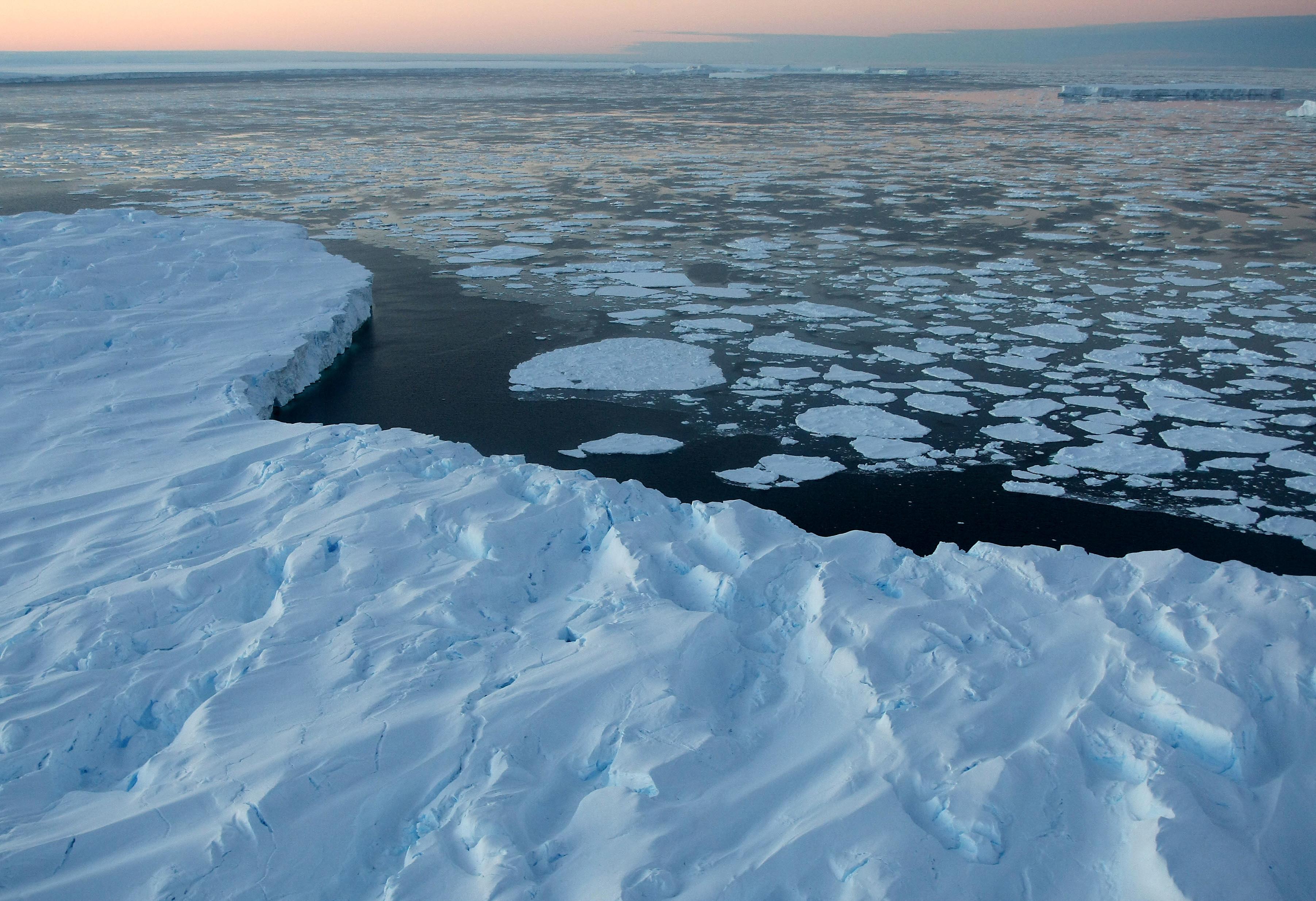 Climate Change Denying MIT Prof Richard Lindzen Is