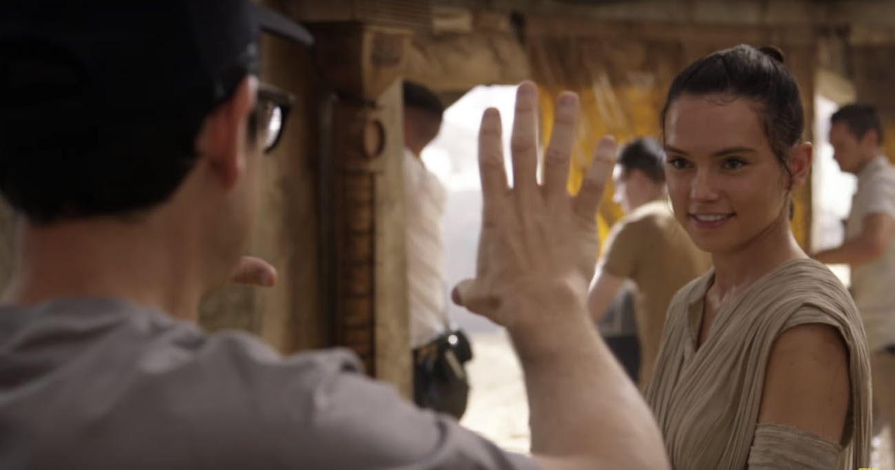 J.J. Abrams and Daisy Ridley in 'Star Wars: The Force Awakens'