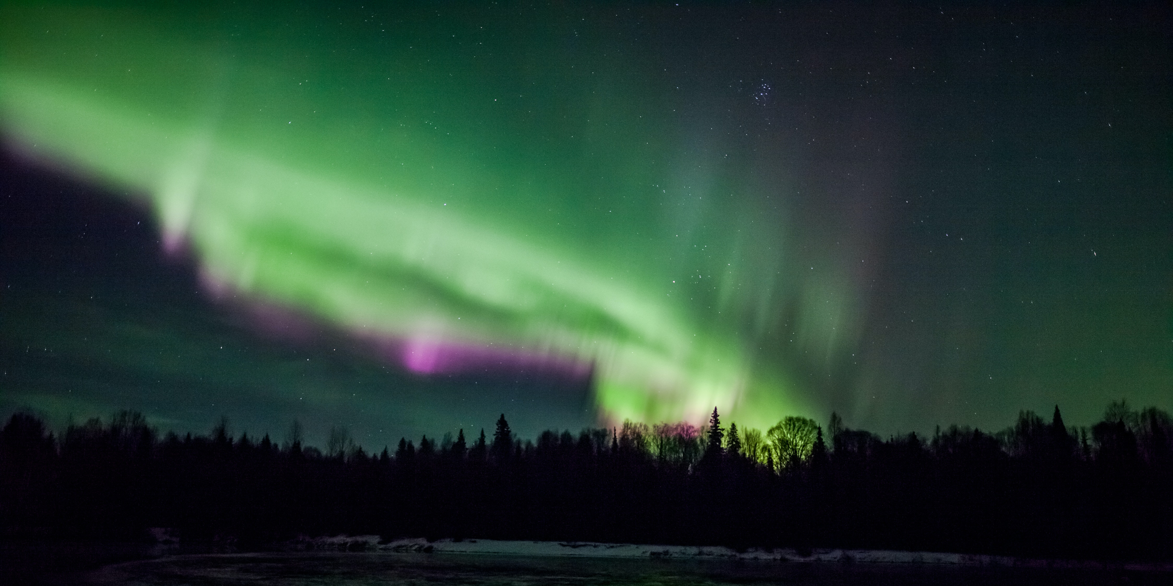 How Auroras Move in Harmony with Magnetic Field Motion