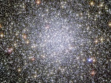 Scientists Found Something Super Weird in This Giant Glob of Stars