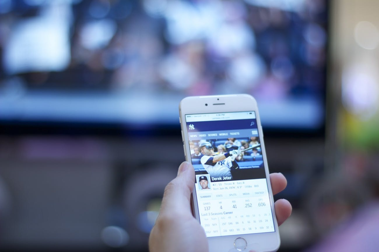 phone, news, screens