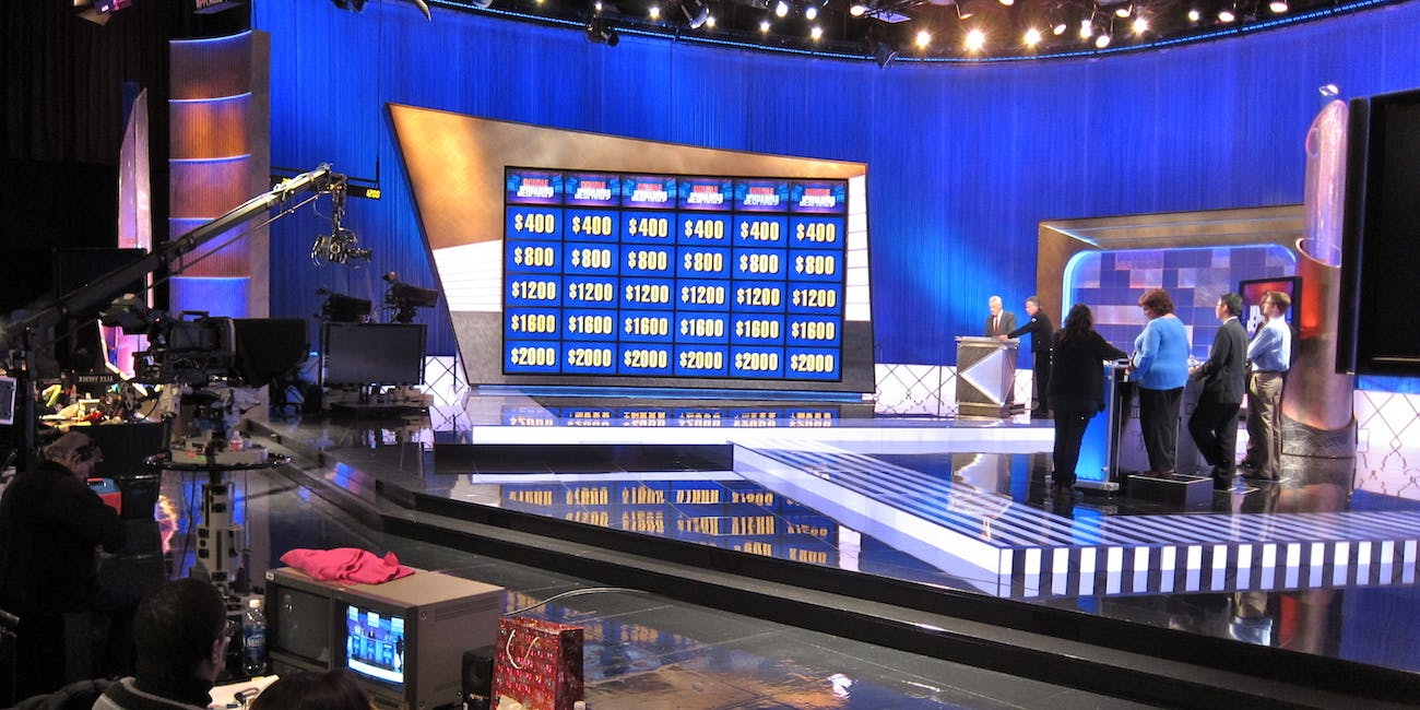 A Jeopardy! Champ Explains How to Win Bar Trivia Night | Inverse